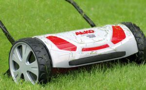 Manoeuvrable on the Lawn