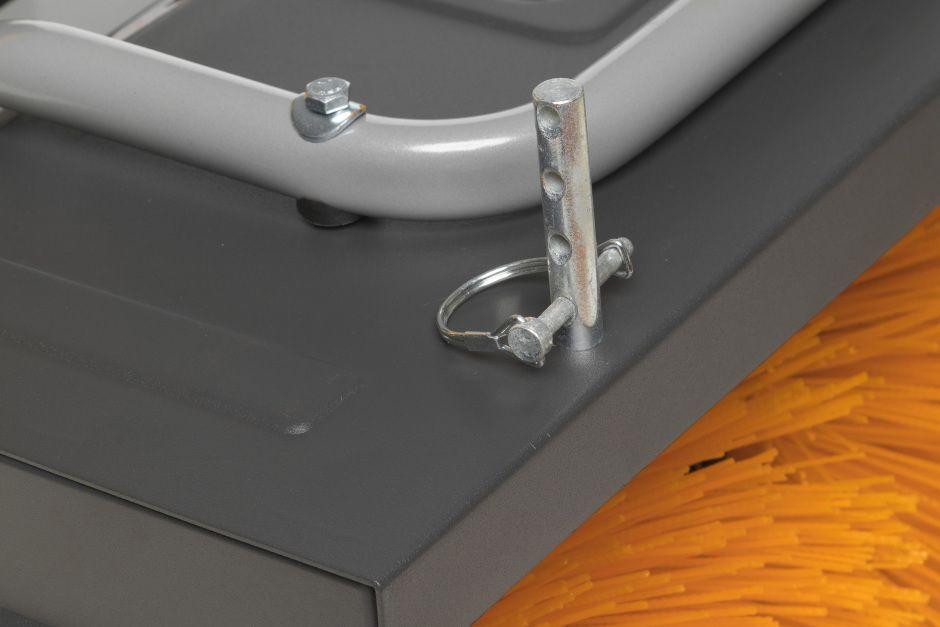 Connection bolt